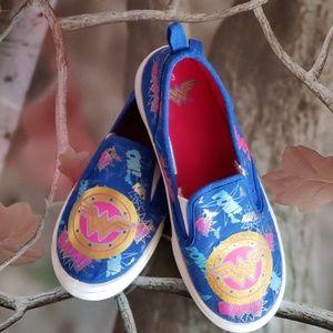 Wonder Woman girls shoes size 3